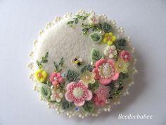 Felt Brooch / Felt Pin / Flowery Felt Pin