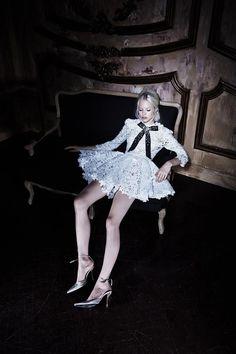 The Look: Bohemique Cruise http://www.thewhiterabbit.com #thewhiterabbit #aliceinwonderland #alicefashion