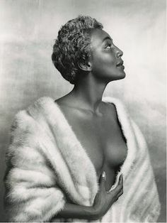 "Joyce Bryant, ""The Bronze Blond Bombshell"", 1950's US jazz singer."