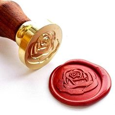The Rose Wax Seal Stamp with Rose wood Handle. Removable wood handle - easy to change and install Works with all types of sealing wax. Rotulação Vintage, Vintage Design, Snail Mail Gifts, Wax Seal Stamp Kit, Sealing Wax Sticks, Tea Candles, Wine Packaging, Invitation Envelopes, Wedding Invitations