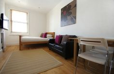 CAMBRIDGE ROAD STUDIO: Bright and spacious 3rd floor studio apartment to sleep 2 people, with comfy double bed, modern kitchen and hotel style bathroom. Located just minutes from all you need for an enjoyable stay in Brighton - delis, cafes and shopping. http://www.brightonholidaylets.com/holiday-homes/brighton/cambridge-road-studio/61687/