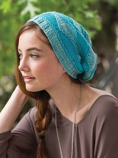 Use chain stitch to create this adorable knitted hat pattern. Fall in love with the shades of turquoise that resemble ocean waves. Baby Hat Patterns, Knitting Patterns Free, Hand Knitting, Crochet Patterns, Knitting Ideas, Free Crochet, Knit Crochet, Knit Hat For Men, Knit Beanie Hat