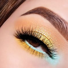 What would you call this look? 💛💛💛💛💛💛💛💛💛 Here's a look using our new Flamingo palette. Launching 7.10