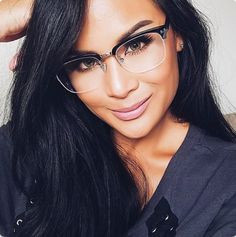 Super Glasses Frames For Round Faces Woman For Men 67 Ideas Frames For Round Faces, Glasses For Oval Faces, Glasses For Your Face Shape, Cute Glasses, New Glasses, Girls With Glasses, Eyeglasses For Women Round Face, Stylish Glasses For Women, Funky Glasses