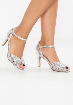 Sandaler, silvriga, strl. 38. Rea 179:- Zalando.se Anna, Wedding Shoes, Peep Toe, High Heels, Glamour, Silver, Heeled Sandals, Pretty, Fashion