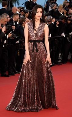 Cannes 2015 - Gianna Jun in Gucci - Day 5 (montée des marches Rocco e i Suoi Fratelli)