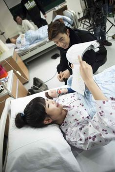 Iu and Wooyoung filming Dream High Drama Film, Drama Movies, Dream High 2, Best Dramas, Korean Dramas, Autumn In My Heart, K Pop Star, Woo Young, Korean Entertainment