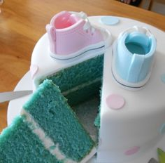 Awesome idea for a Gender Reveal for family or at baby shower Converse Shoes cake ♥