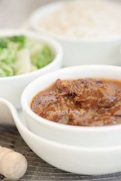 Indonesian beef stew - this looks intriguing.