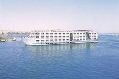 Nijlcruise 5&Titanic Beach&Aqua Park 5  Description: Inclusief: 7 nachten in 5 Titanic Beach & Aqua Park o.b.v. All Inclusive. 7 nachten 5 cruise op basis van volpension (M/S New Serenade of gelijkwaardig). Begeleiding van een Nederlandse of Engelstalige gids. Alle transfers. Retourvlucht van/naar Hurghada. Exclusief: Entree- en servicegelden voor het onderstaande programma tijdens de Nijlcruise (optioneel te voldoen bij aankomst) ? 149 - per persoon. Kinderen van 2 t/m 11 jaar betalen ?…