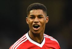 Rashford signs new Manchester United deal