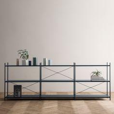 Ferm Living Möbel Kollektion umfasst perforierten Regalen und Stapelstühle