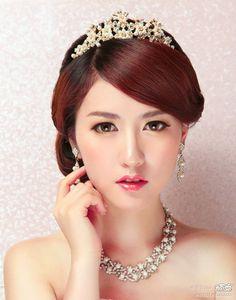 bridal makeup -simple bride should always do simple