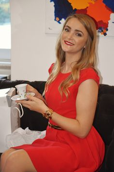 Ann-Kristin Wenzel with the gift from Vista Alegre   6th Anniversary of Breakfast@Tiffany's   Hotel do Chiado   09th of March 2016   Photo Credits Catarina Fernandes Photography.