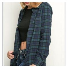 Brandy Melville plaid oversize flannel ❤ liked on Polyvore featuring tops, shirts, plaid flannel shirt, plaid button up shirts, plaid top, button up shirts and oversized flannel shirt