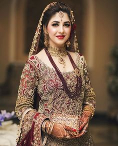 Best Picture For Bridal Outfit for guest For Your Taste You are looking for something, and it is going to tell you exactly what you are looking for, and you didn't find that picture. Pakistani Bridal Makeup, Bridal Mehndi Dresses, Pakistani Wedding Outfits, Pakistani Wedding Dresses, Bridal Outfits, Indian Bridal, Pakistani Jewelry, Indian Outfits, Pakistan Bride