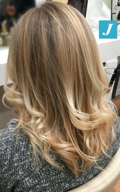 Degradé Joelle: la perfezione delle sfumature. #cdj #degradejoelle #tagliopuntearia #degradé #igers #musthave #hair #hairstyle #haircolour #longhair #ootd #hairfashion #madeinitaly