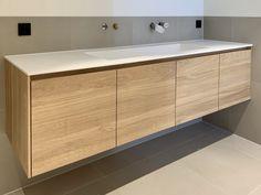 Wastafelmeubel • Interieur design by nicole & fleur • #maatwerk #wastafel #eikenhout Credenza, Bath, Cabinet, Storage, Furniture, Home Decor, Small Laundry Rooms, Laundry Rooms, Clothes Stand