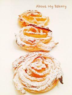 Le rose di mele sono il dolce perfetto: monoporzione, facile, veloce e d'effetto. Sono proprio alla portata di tutti! Provate anche voi, la ricetta è sul mio blog!