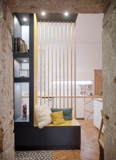 Home sweet home, lyon, place sathonay, appartement… Home Design, Home Interior Design, Interior Architecture, Cv Design, Design Interiors, Living Room Partition, Room Partition Designs, Partition Walls, Corridor Design