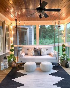 30 Gorgeous And Inviting Farmhouse Style Porch Decorating Ideas - - Tis the season of summer days and outdoor spaces to enjoy them, so check out our fab collection of farmhouse style ideas for your porch. Farmhouse Style, Farmhouse Decor, Farmhouse Homes, Farmhouse Ideas, Farmhouse Design, Farmhouse Front Porches, Farmhouse Porch Swings, Modern Farmhouse Porch, Farmhouse Chandelier