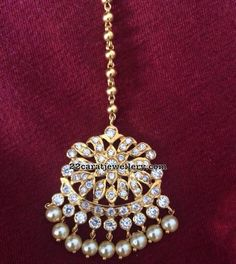 Latest Collection of best Indian Jewellery Designs. Tika Jewelry, Head Jewelry, Unique Jewelry, Silver Jewellery Indian, Gold Jewellery Design, Tikka Designs, Bollywood Jewelry, Sterling Silver Jewelry, Silver Earrings