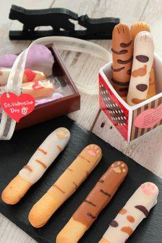 「さくさくニャンコクッキー」ナナママちゃん | お菓子・パンのレシピや作り方【cotta*コッタ】 Cute Snacks, Cute Desserts, Dessert Recipes, Japanese Snacks, Japanese Sweets, Kawaii Cooking, Cute Baking, Kawaii Dessert, Cat Cafe