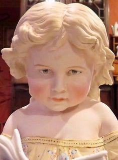 12-034-Antique-Original-Gebruder-Heubach-Doll-Figurine-Girl-Reading-Book