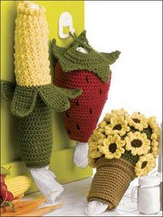 Ravelry: Pot of Sunflowers Bagholder pattern by Tara Surprenant Plastic Bag Crochet, Crochet Food, Crochet Kitchen, Crochet Gifts, Plastic Bag Holders, Plastic Bags, Grocery Bag Holder, Crochet Sunflower, Crochet Baby Cocoon
