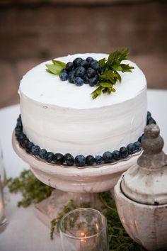 A blueberry cake: http://www.stylemepretty.com/little-black-book-blog/2014/12/22/timeless-summer-wedding-at-firestone-vineyards/ | Photography: Miki & Sonja - http://mikiandsonja.com/