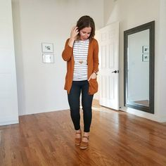 fall outfit tapered collection mott and bow jeans My Wardrobe, Capsule Wardrobe, Bow Jeans, Postpartum Fashion, Fall Dresses, Work Fashion, Get Dressed, Clogs, Style Me