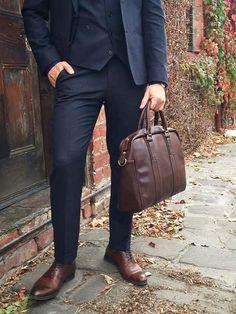 suit guy essentials // mens suit // mens bag // leather bag // mens accessories // urban men // briefcase // mens fashion // urban life //