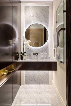 Mirror, veneer, niche