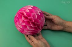 Cómo hacer una bola de papel panal