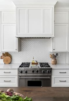 If you are looking for Kitchen Backsplash Tile Ideas, You come to the right place. Below are the Kitchen Backsplash Tile Ideas. This post about Kitchen Backs. White Kitchen Backsplash, Kitchen Hoods, Kitchen Tiles, Subway Tile Backsplash, Backsplashes With White Cabinets, Wallpaper Backsplash Kitchen, Kitchen Backplash, White Shaker Kitchen Cabinets, Ceramic Tile Backsplash
