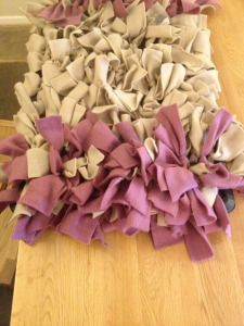 Diy Snuffle mat for nosework Diy Dog Toys, Pet Toys, Dog Enrichment, Toy Puppies, Chihuahua Puppies, Yorkie, Mini Pigs, Dog Games, Homemade Dog Treats