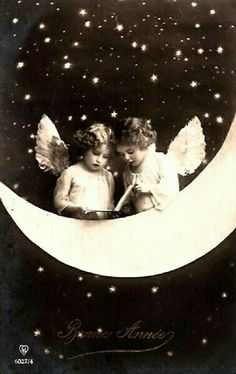 Two faeries on a Paper Moon, date unknown Images Vintage, Vintage Pictures, Vintage Photographs, Vintage Postcards, Moon Photos, Moon Pictures, Paper Moon, Constellations, Vintage Illustration