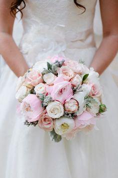 http://www.weddingandweddingflowers.co.uk/article.php?id=272
