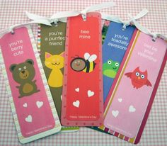 Instead of valentine cards how about valentine bookmarks! Love this because we all know the kids just throw away the valentines. Kinder Valentines, Valentine Day Crafts, Valentine Ideas, Funny Valentine, Printable Valentine Bookmarks, Happy Hearts Day, Fun Crafts For Kids, Kid Crafts, Valentine's Day Diy