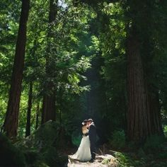 This woodsy wedding, nestled in the redwoods in the Santa Cruz Mountains at Nestldown is full of amazing handmade elements.