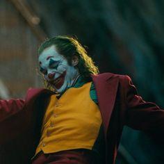A screening of Joker in a Paris cinema was evacuated after a man shouted the words 'Allahu akbar', causing widespread panic. Le Joker Batman, Der Joker, Joker And Harley Quinn, Joaquin Phoenix, Joker Film, Joker Poster, Joker Hd Wallpaper, Joker Wallpapers, Joker Comic
