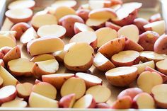 Knoblauch-Kräuter & Parmesan Roasted Red Potatoes - die besten gebratenen roten Kartoffeln Rezept !!  | Browneyedbaker.com