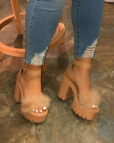 Line-Style Buckle Ankle Strap Chunky Heel Open Toe Casual Sandals Fancy Shoes, Pretty Shoes, Fashion Heels, Sneakers Fashion, Aesthetic Shoes, Sneakers Mode, Hype Shoes, Fresh Shoes, Cute Heels
