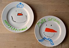 Christmas Plates - Gifts That Kids Can Make. These Snowman Plates are so simple and totally ADORABLE! Kindergarten Gifts, Preschool Gifts, Preschool Christmas, Christmas Activities, Kid Activities, Christmas Gifts For Parents, Homemade Christmas Gifts, Christmas Crafts, Christmas Things