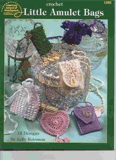 Little Amulet Bags - Carey Richards - Álbuns da web do Picasa...