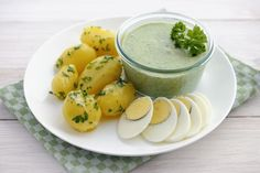 The famous Frankfort green sauce from Germany is a creamy blend of fresh herbs, yogurt, sour cream, and oil that is served cold over potatoes and eggs. German Green Sauce Recipe, Sauce Recipes, Cooking Recipes, Healthy Recipes, Healthy Meals, Heritage Recipe, Cooking Stone, Eat Smarter, Kitchens