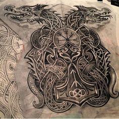 1,132 отметок «Нравится», 17 комментариев — Norse/celtic_tattoos (@norse_celtic_tattoos) в Instagram: «Artist IG @deano_robertson #celtictattoo #celticdragon #mjolnir #vegvisir #runes #tattoodesign…»
