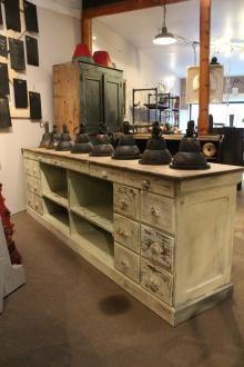 mobilier industriel ancien comptoir de commerce boutique pinterest boutiques et php. Black Bedroom Furniture Sets. Home Design Ideas