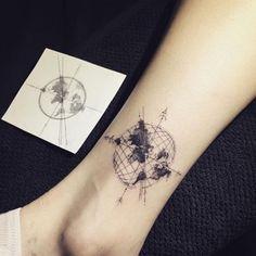 ▷ 1001 + Ideas for tattoo on the foot, ankle or calf - Tattoo Ideen - tattoos Tattoo Wade Frau, Tattoo Bein Frau, Calf Tattoos For Women, Tattoo Designs For Women, Compass Tattoo, Erde Tattoo, Planet Tattoo, Molecule Tattoo, Neue Tattoos