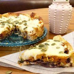 Tarta de calabaza asada, cebollas caramelizadas y queso crema   Inutilisimas